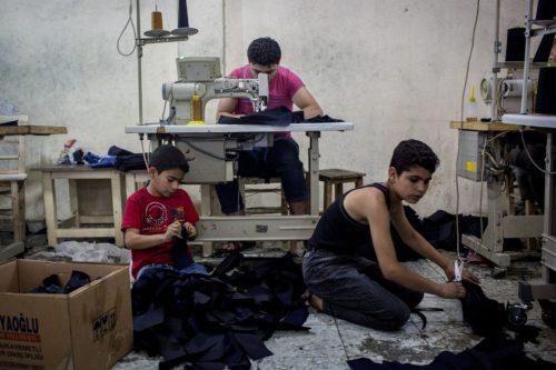 시리아 난민 아이들은 터키로 넘어왔더라도 학교가 아닌 공장, 넝마주이 등 저임금 노동에 내몰리게 된다. ⓒTheStar